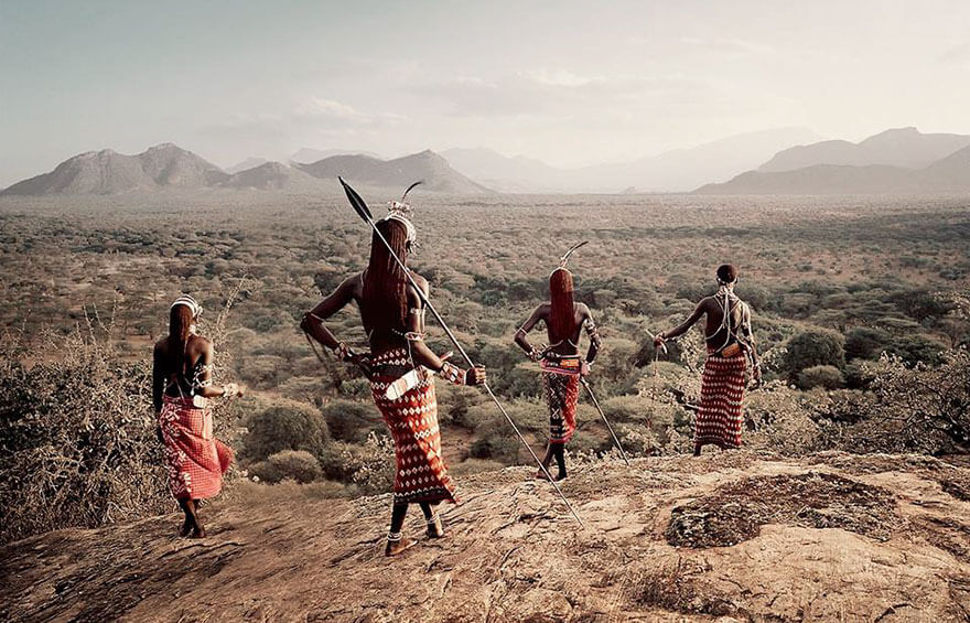 21 Stunning Pictures Of Isolated Tribes From All Around The Globe 3