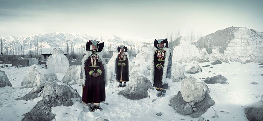 21 Stunning Pictures Of Isolated Tribes From All Around The Globe 5