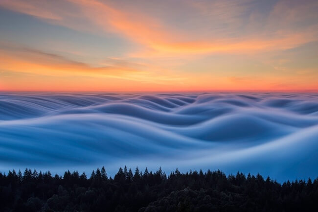 22 Breathtaking Images Of Things You've Never Seen Before The Thick Fog Looks Like Waves