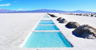 15gorgeous places you need tovisit before they fill upwith tourists