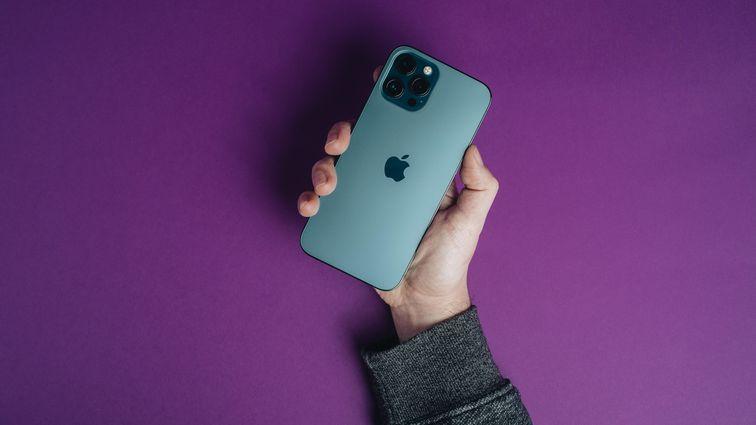 Iphone 12 Pro Max Product Promo Hoyle 2021
